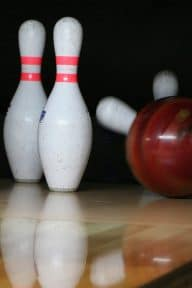 going-out-vendee-bowling-activities