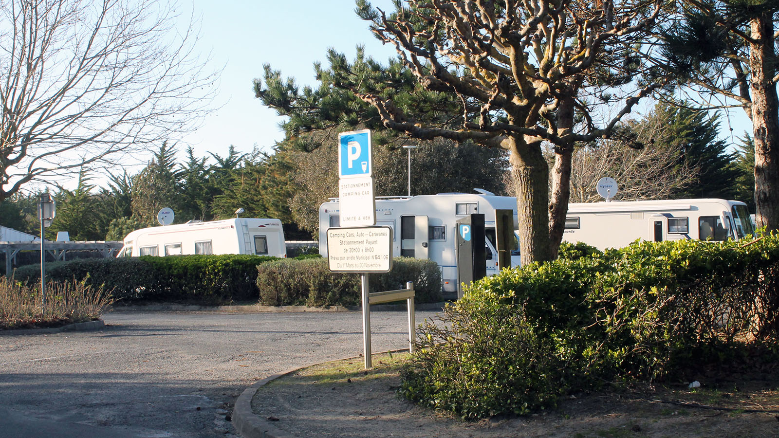 Motor home stopover areas-notredamedemonts-vendee