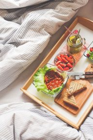 breakfast-bed-labarredemonts-vendee